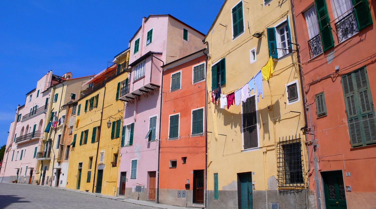 Case colorate al Parasio, Porto Maurizio, Imperia