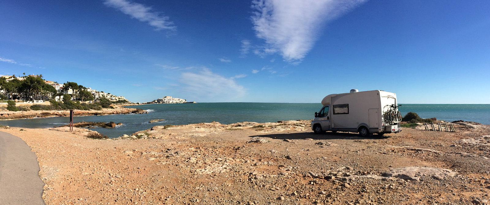 Camper in sosta libera a Peñíscola
