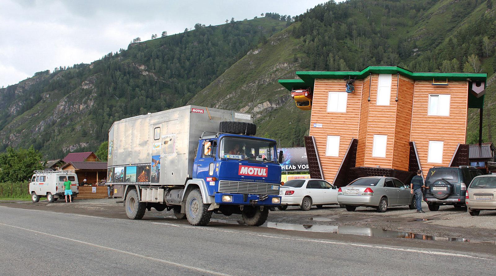 Il camion di Davide e Francesca, uno Scania del 1993