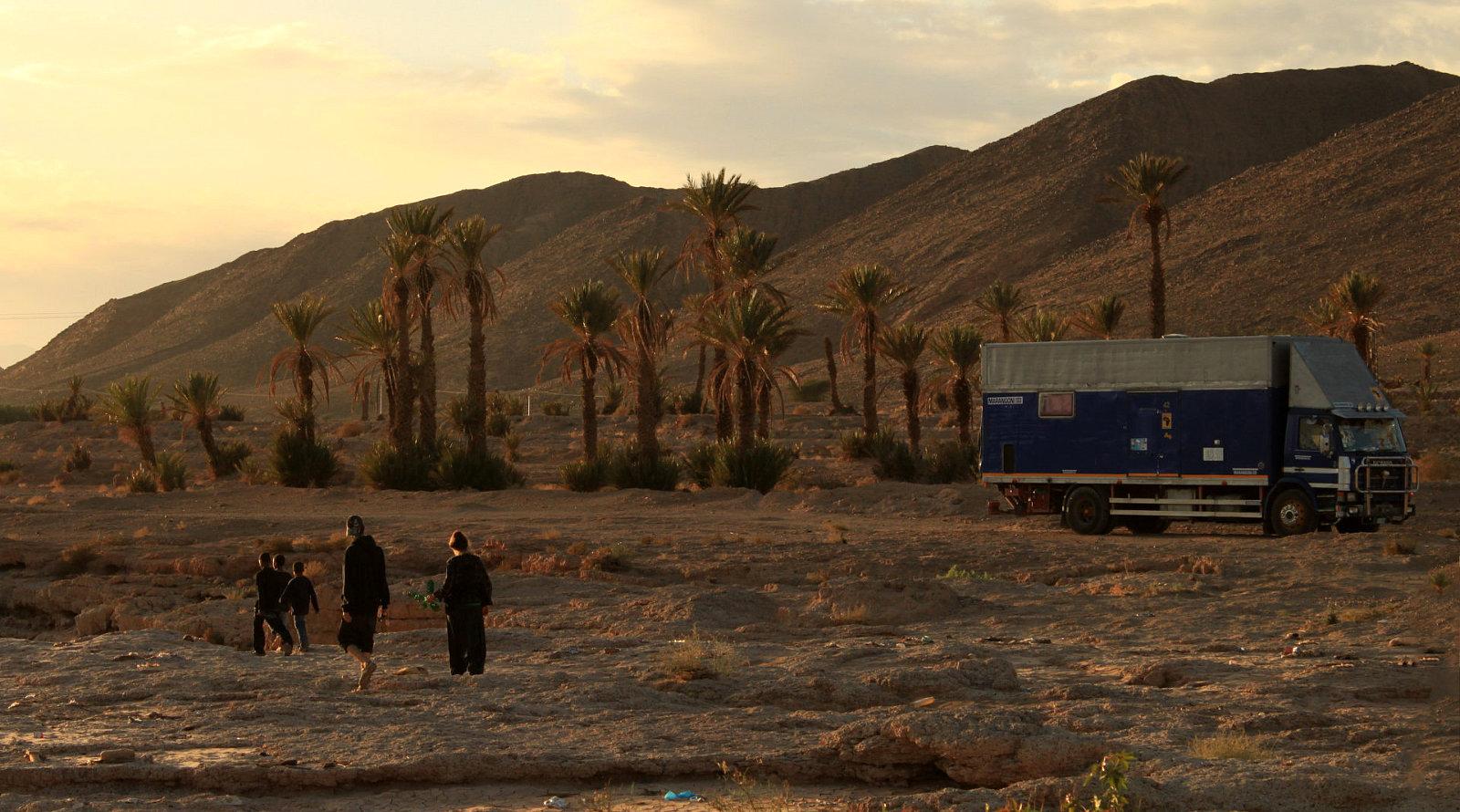 Camion nel deserto