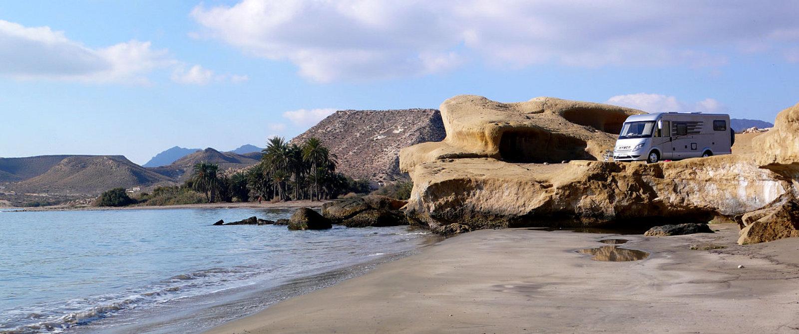Sosta libera in camper sulla Playa de las Palmeras, ad Aguilas