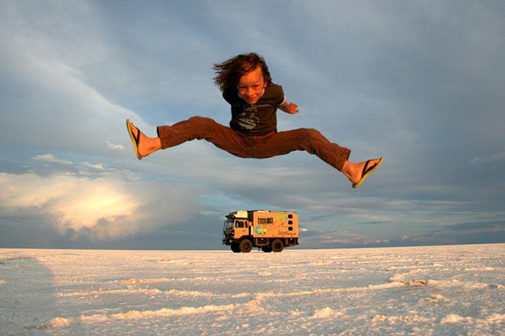 La famiglia Dacaluf in giro per il mondo con il camion