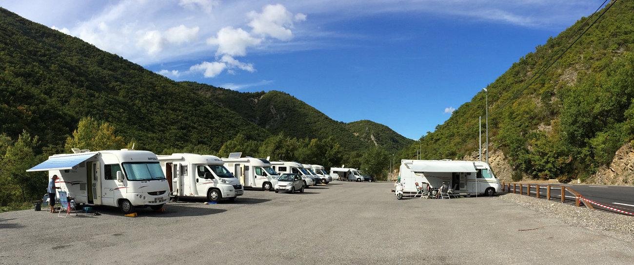 Camper presso l'area di sosta gratuita delle terme di Digne Les Bains