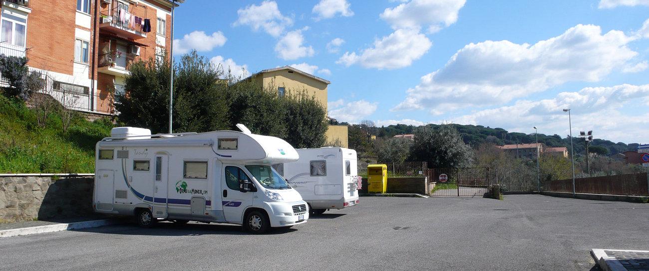 Sosta camper a Castel Gandolfo, residenza estiva del papa
