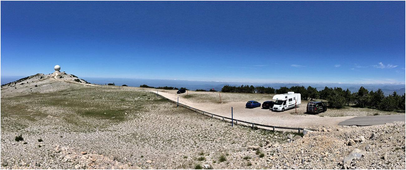 Sosta camper in vetta al Mont Ventoux