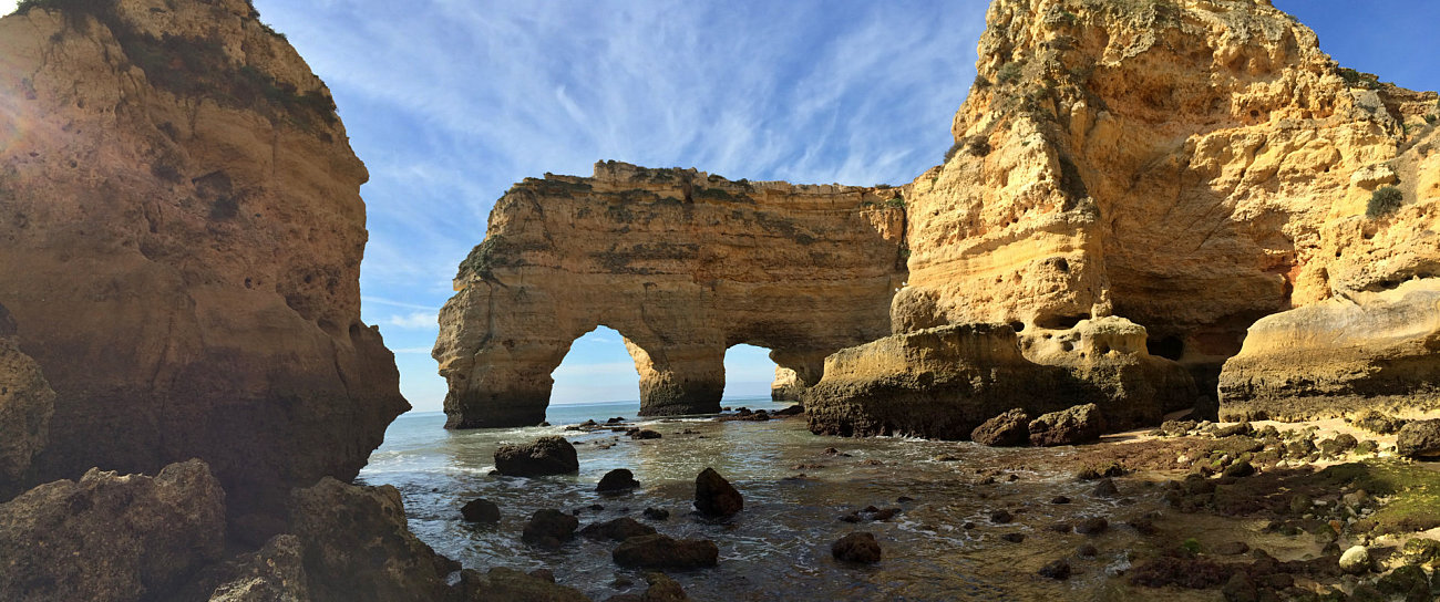La splendida spiaggia di Praia da Marinha