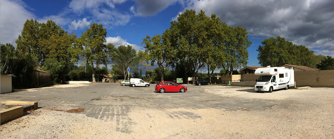 Sosta libera nel parcheggio di Collias