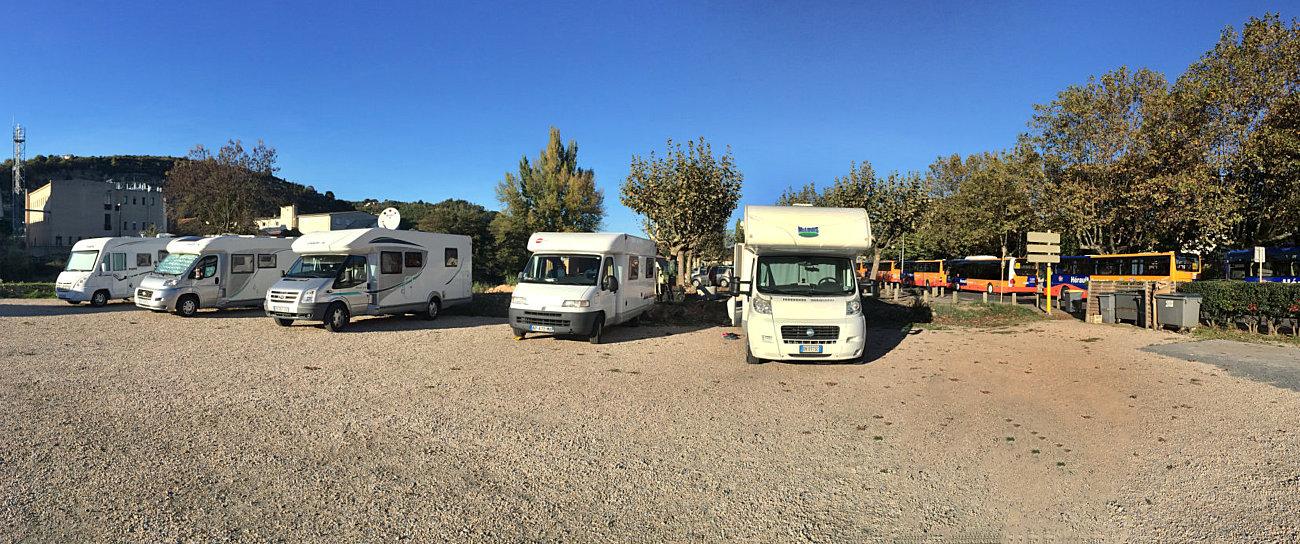 Camper in sosta nell'area comunale di Bédarieux