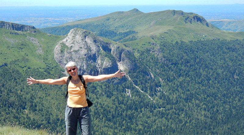 La salita in camper alla piramide del Puy Mary nel Parco dei Vulcani d'Auvergne