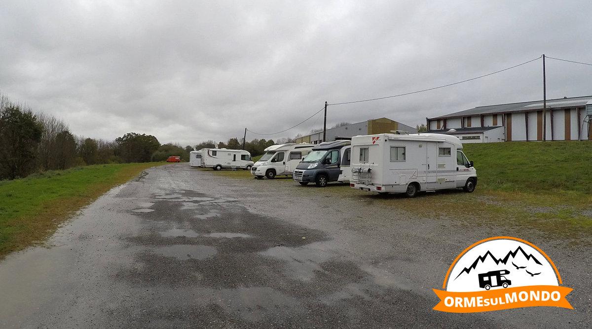 da7a776375d8 sosta-camper-mclouis-lannemezan.jpg
