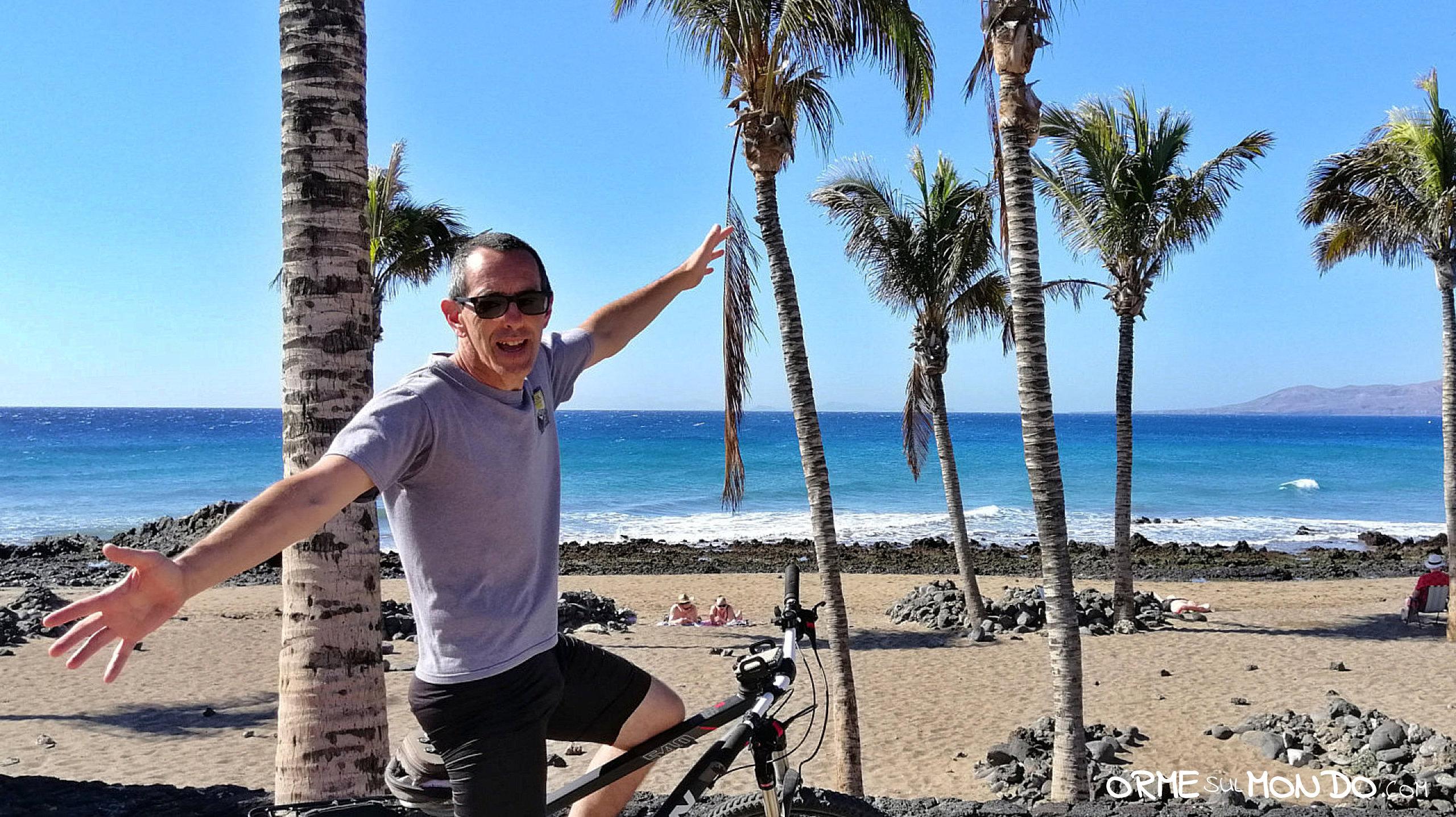 In Mountain Bike Sul Lungomare Di Arrecife
