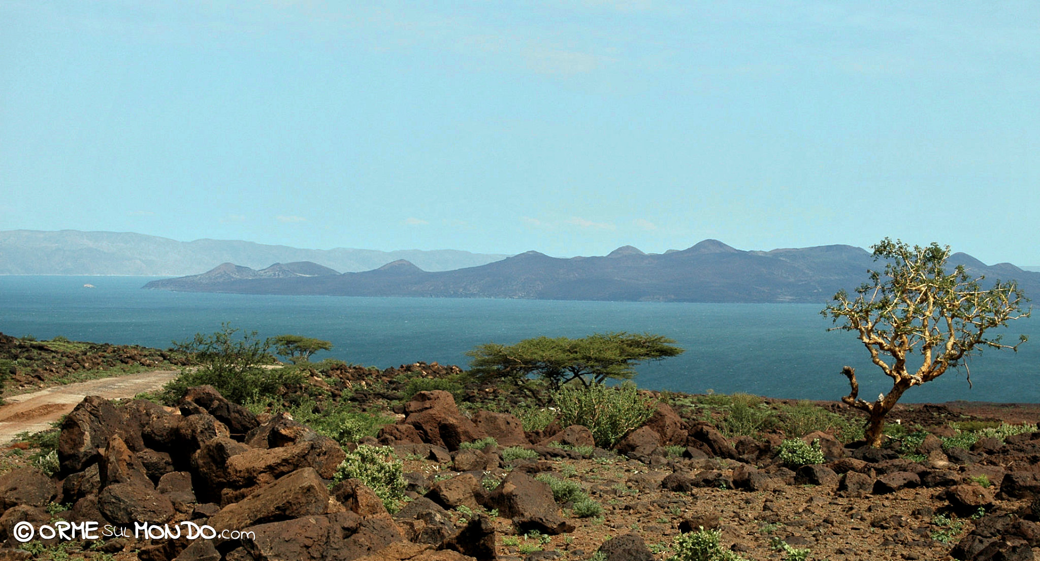 lago turkana kenya panorama