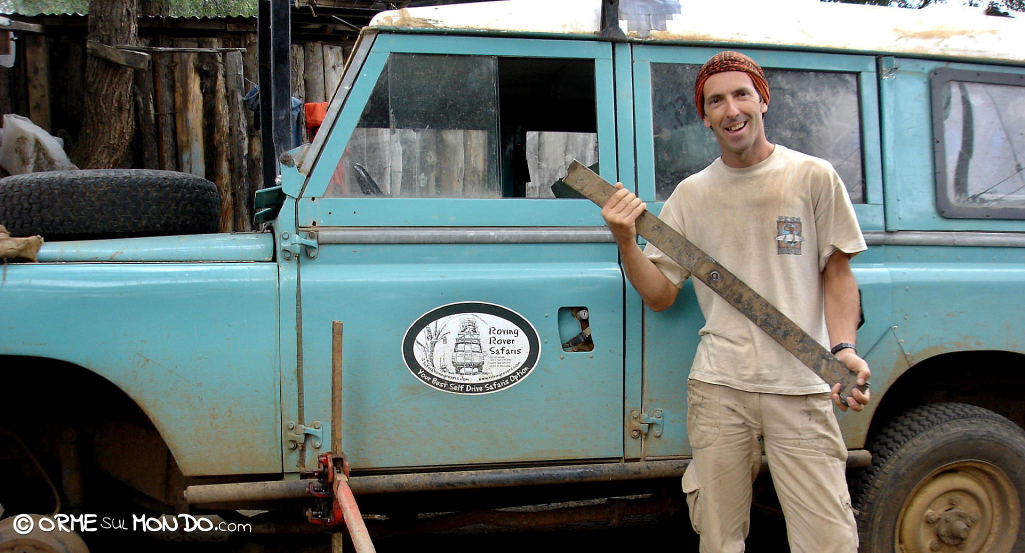 Sosta all'Hippo Garage per sostituire una balestra della nostra Landrover