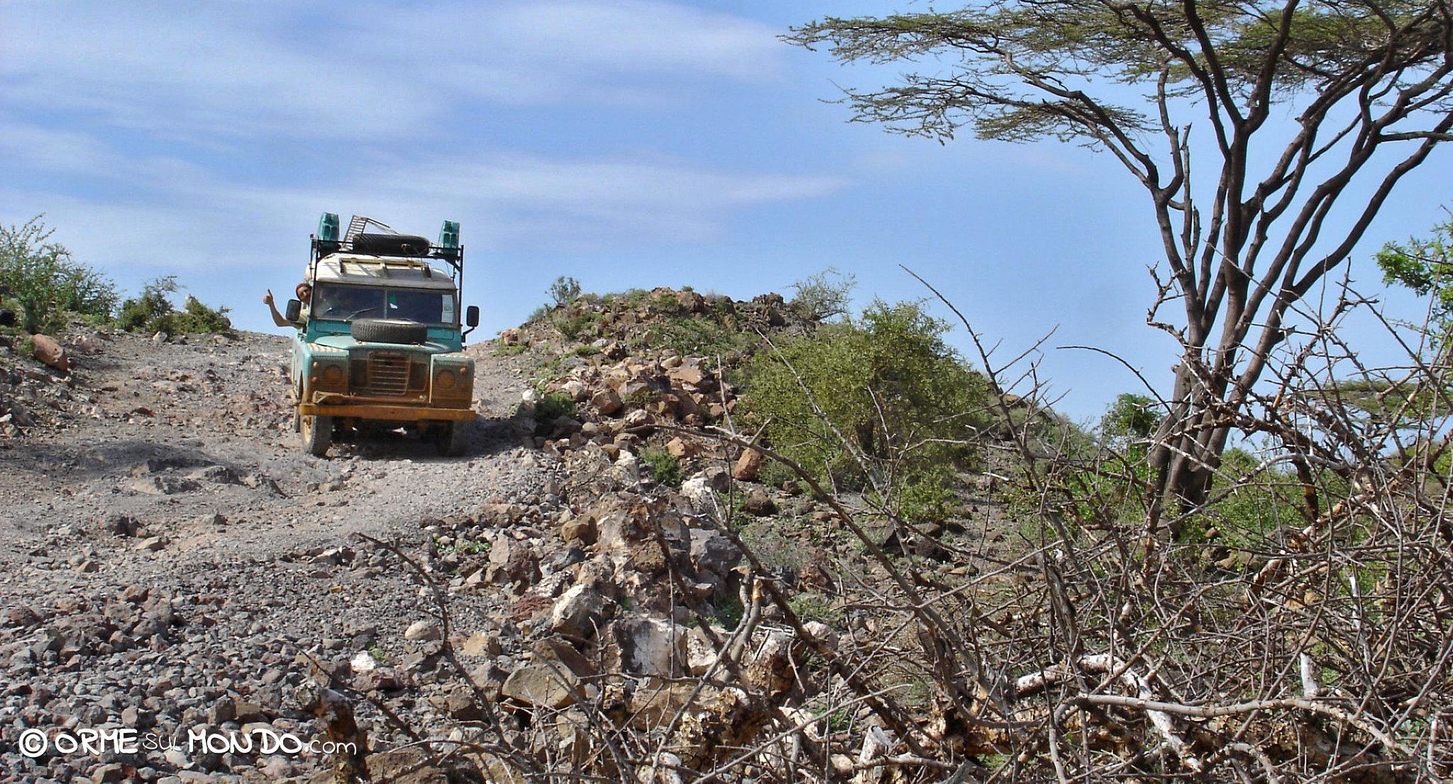 Lungo la difficile pista che conduce a Loyangalani | Photo Credits Gianluca Gibertoni