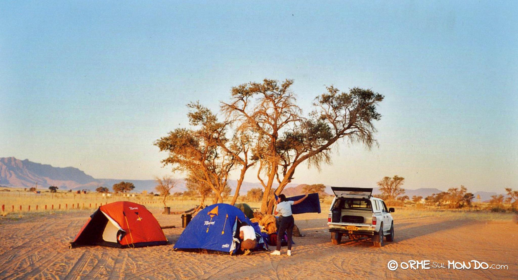 Montiamo il campo al Sesriem Camp Site