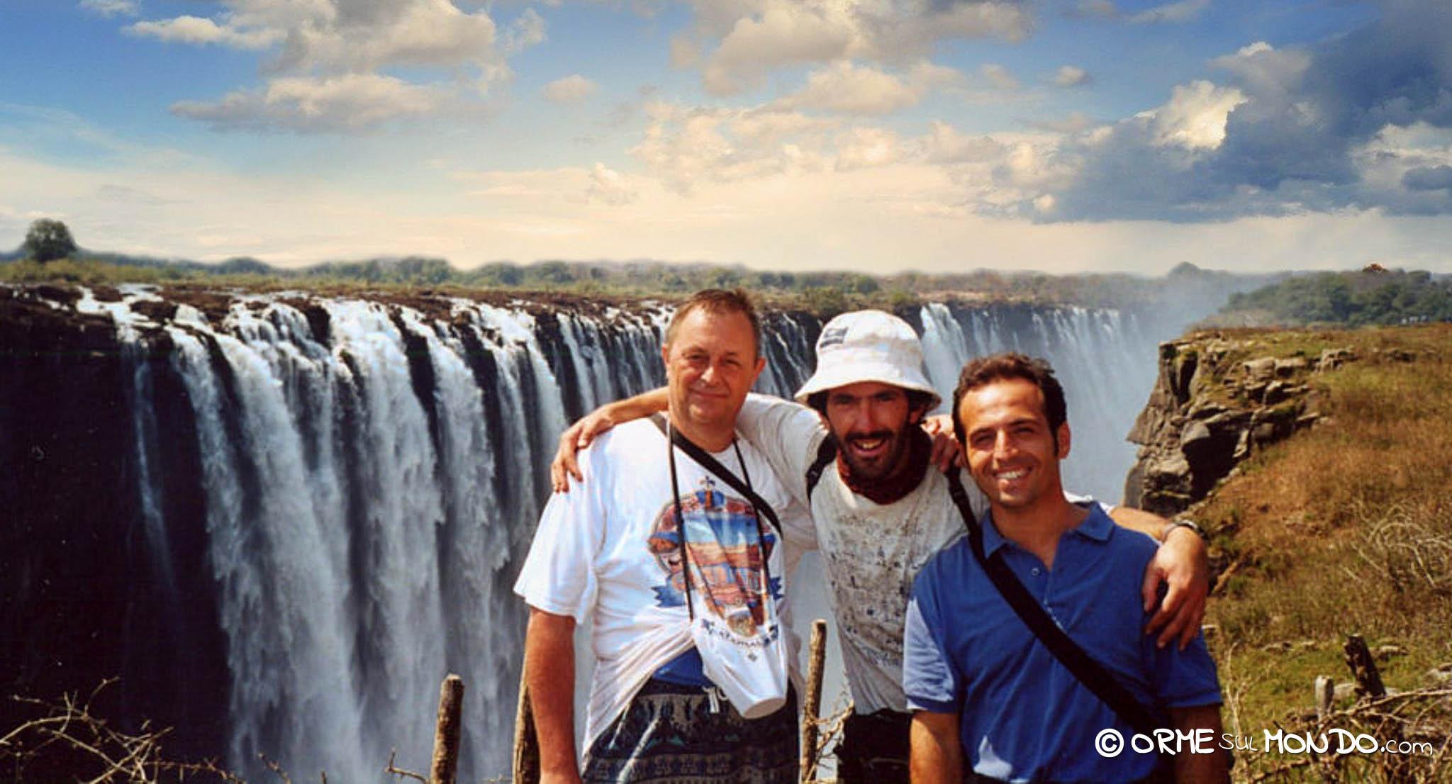 Davanti alle cascate Vittoria con Gianluca e Ugo
