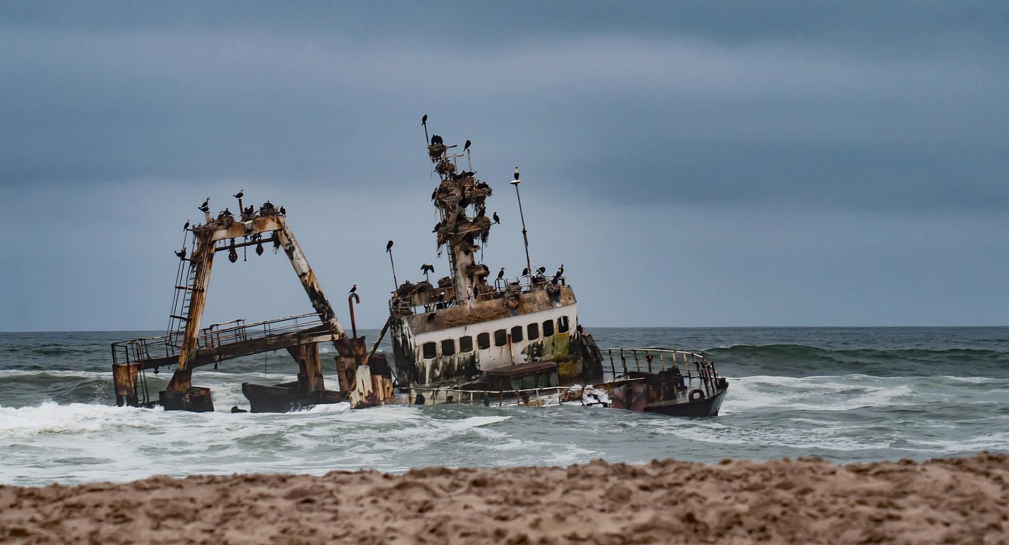skeleton coast zelia nave affondata